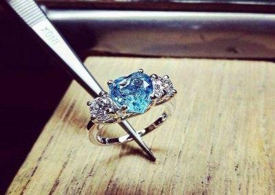 Anello Cuore Blu con diamanti