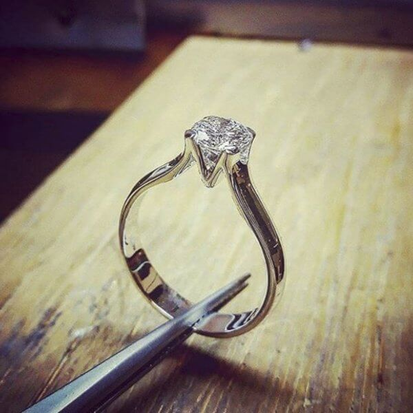 Engagement ring with diamond stone