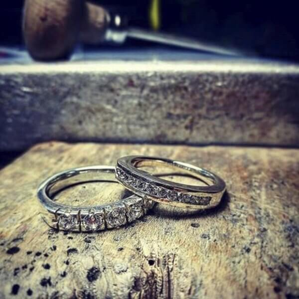 Eternity ring white gold and diamonds