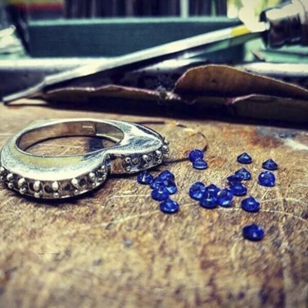 Anello Veretta Pietre Blu